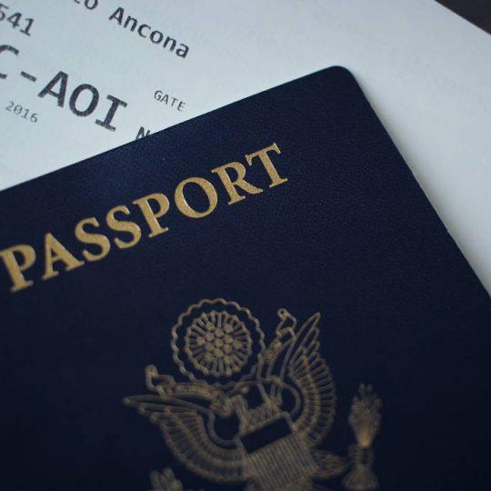 Image-11-to--Bra-att-veta-Passport-nicole-harrington-62045-unsplash